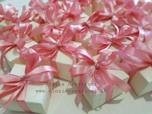 porta confetti matrimonio semplice scatolina fiocco